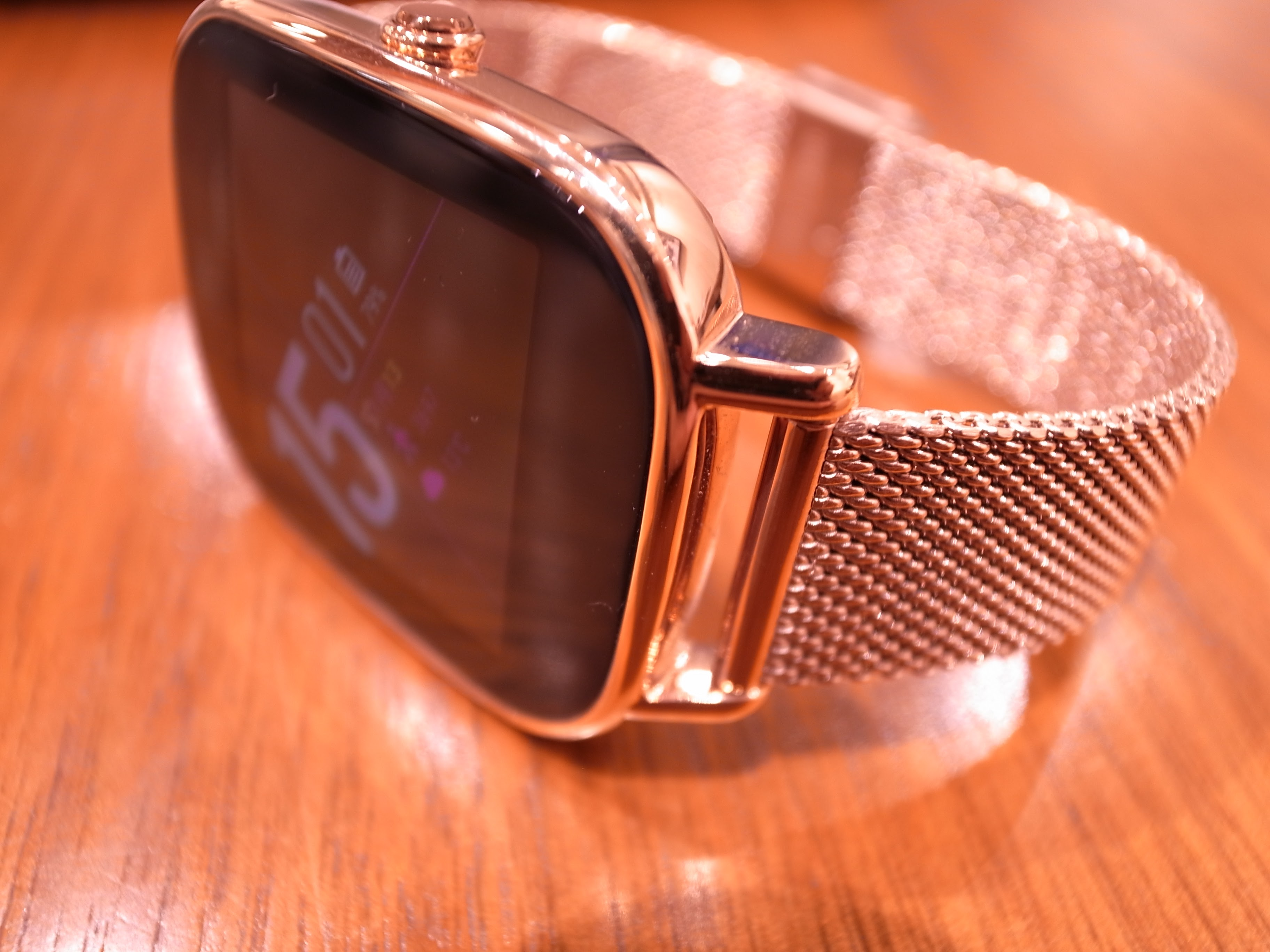 1075-201511_ASUS ZenWatch 2 Knot 04