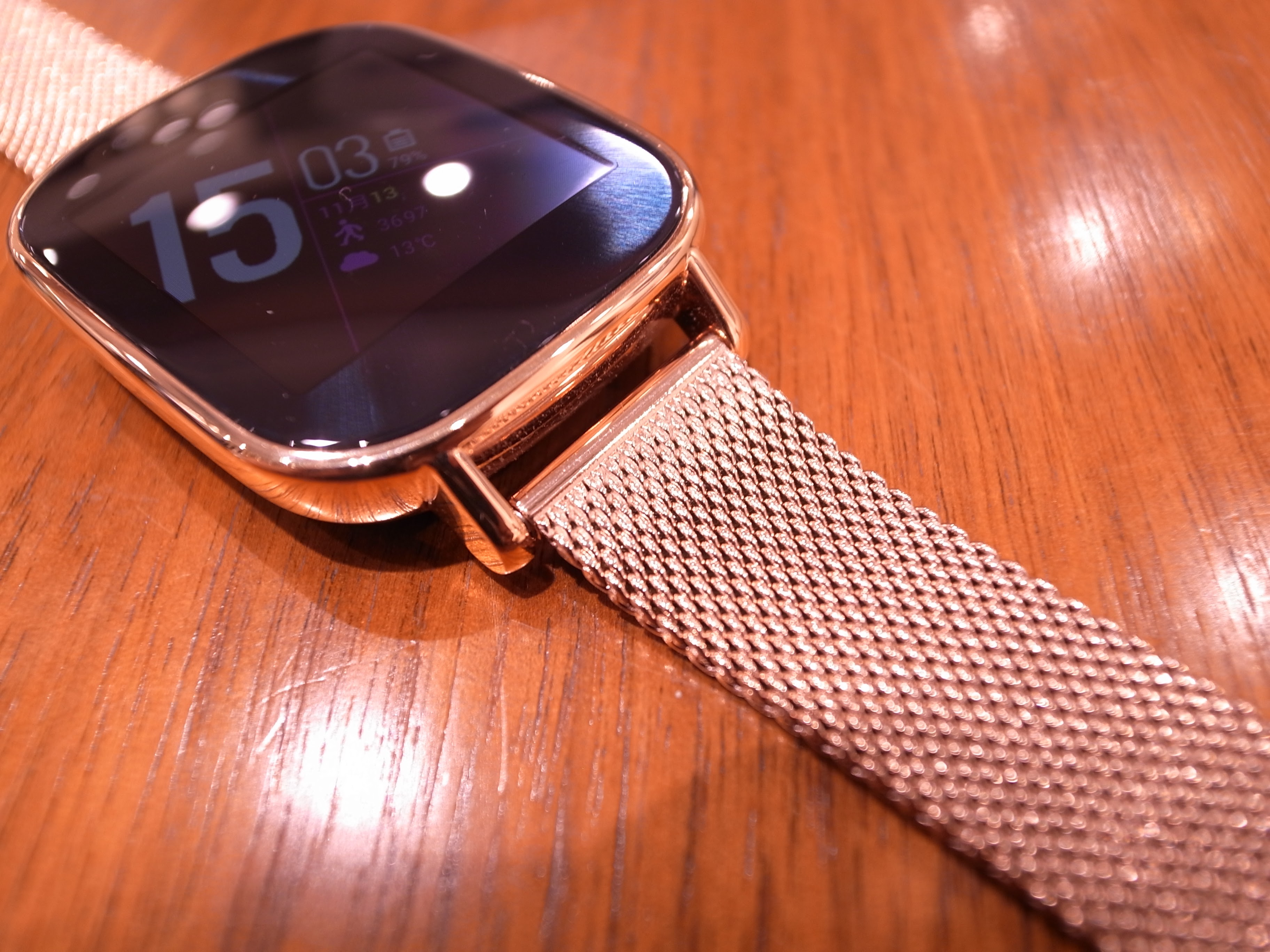 1075-201511_ASUS ZenWatch 2 Knot 05