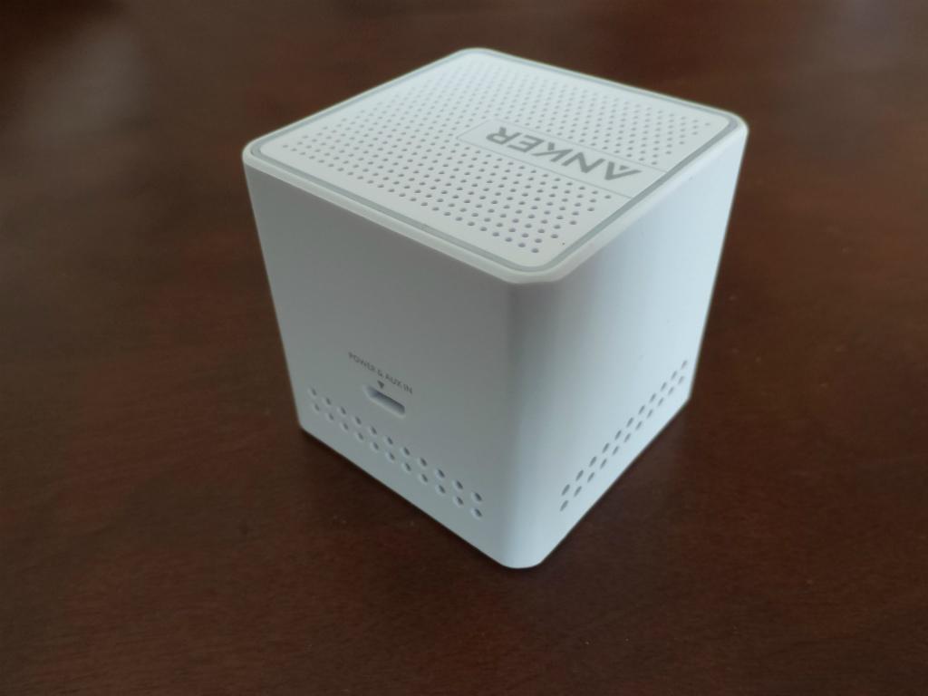 1180-201602_Anker Speaker A7910 04