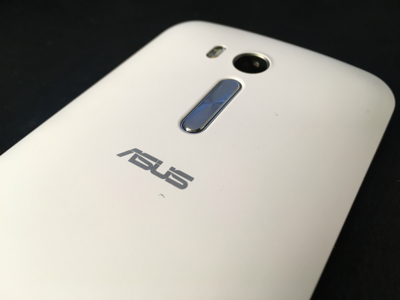 1231-201604_ASUS ZB551KL-WH16 05