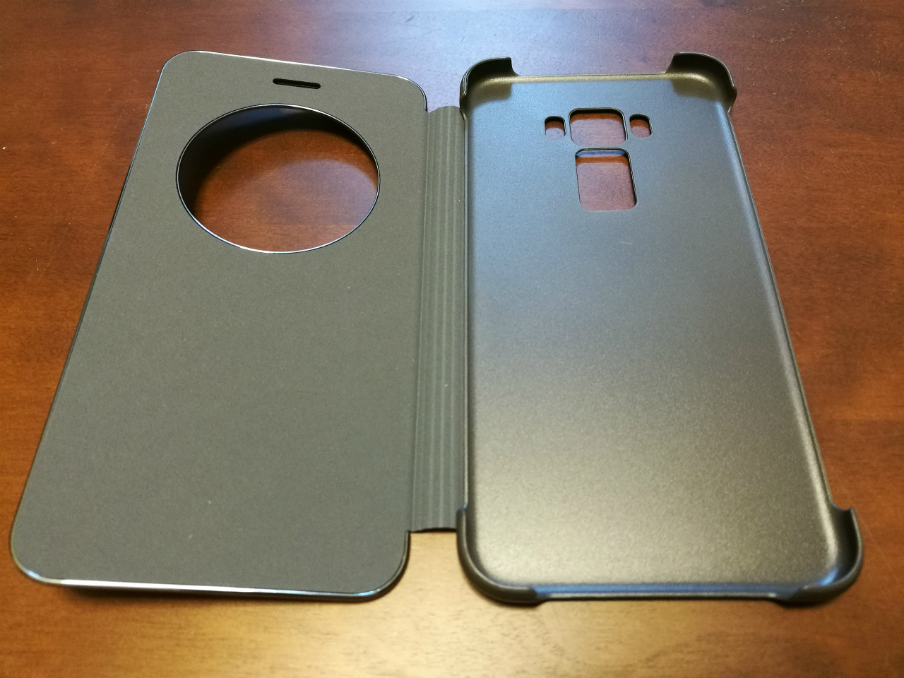 asus-ze520kl-view-flip-cover-04