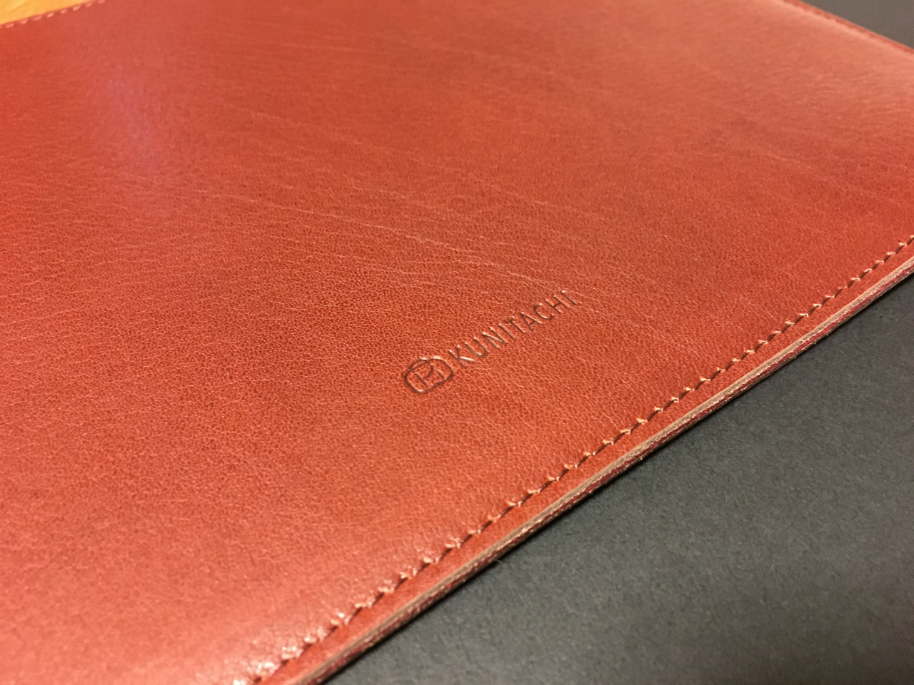 kunitachi-leather-sleeve-for-ipadpro-04