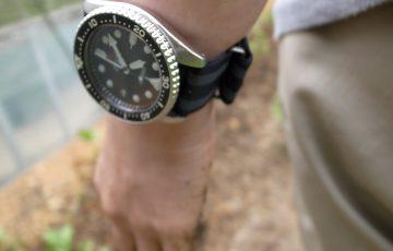 [0762-201505] イラクやチェルノブイリで活動する妻の腕にはいつもSEIKO SBCM023がある。