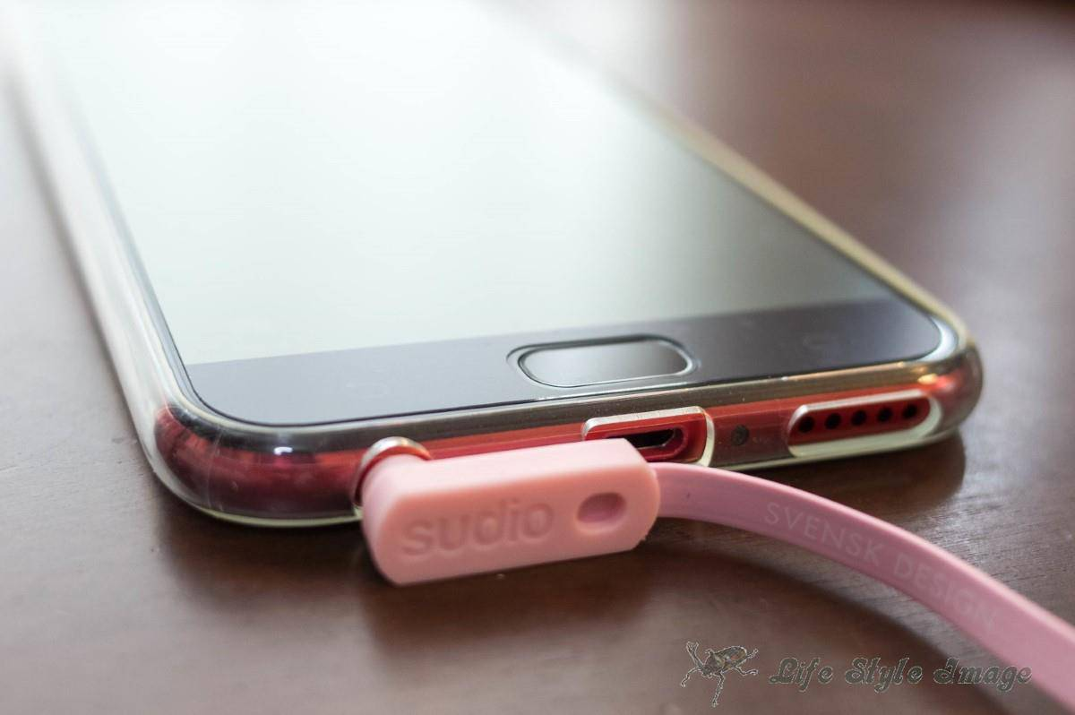 ASUS ZenFone 4 Selfie ProとSudio VASA
